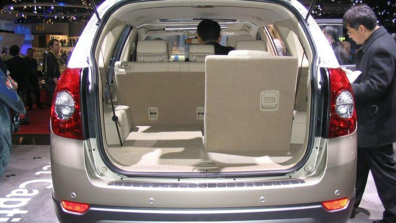 Chevrolet Captiva Premier at Geneva