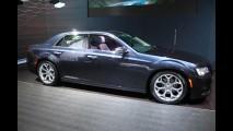 Chrysler 300C renovado chega ao Brasil no primeiro semestre