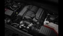 Chrysler apresenta versão esportiva 300 SRT8