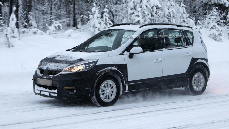 Renault Scenic Cross spied for the first time