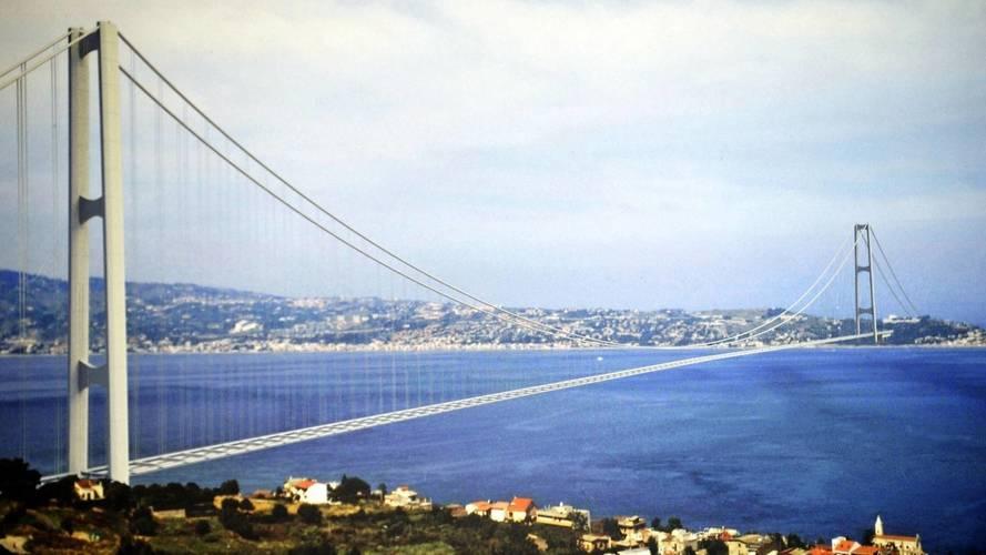 Ponte sullo Stretto, per Berlusconi è una priorità