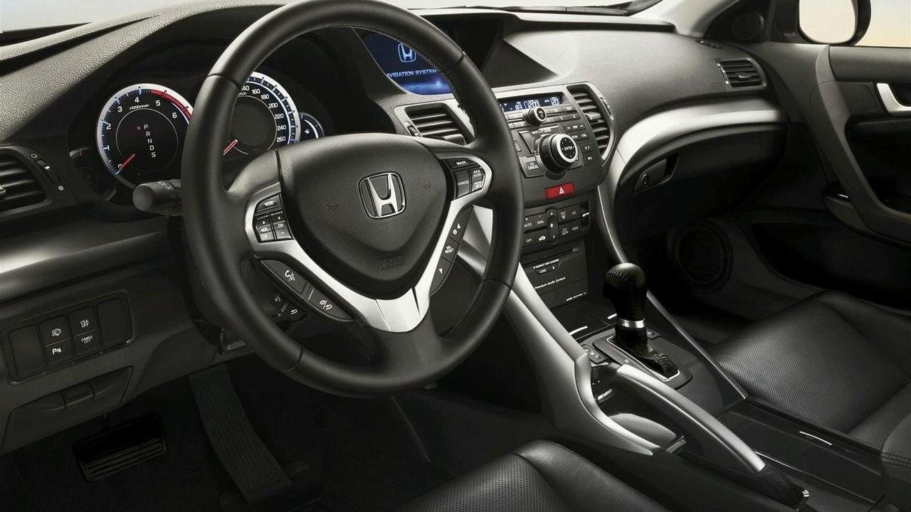 i-DTEC auto gearbox shift lever on Honda Accord euro spec