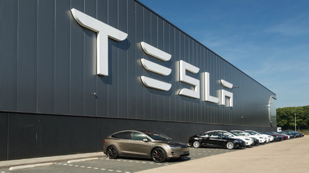 Komoly biztonsági kockázatokat rejthet magában a Tesla Model 3 sorozatgyártása