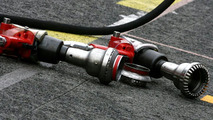 Pitlane atmosphere, pitstop guns - Formula 1 Testing, 27.02.2010, Barcelona, Spain