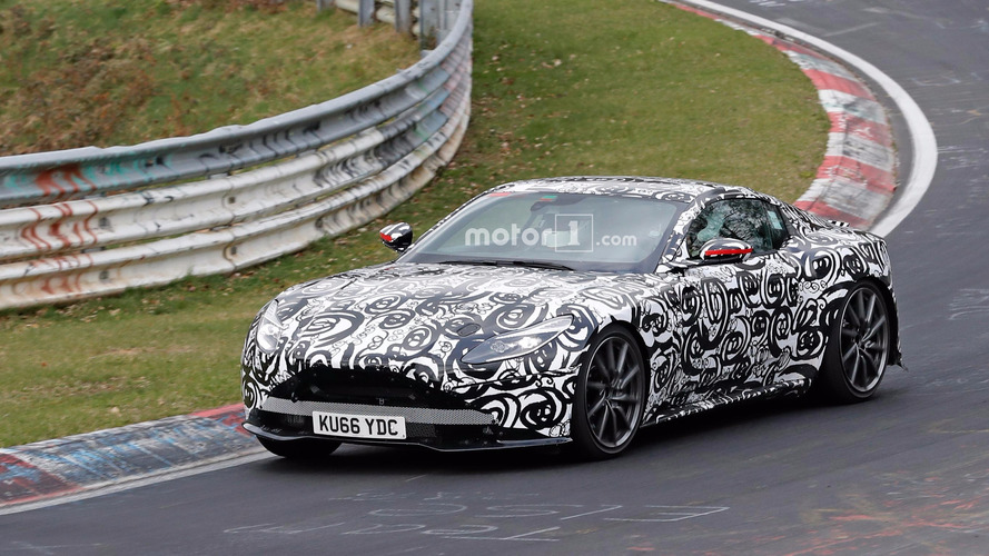Yeni Aston Martin V8 Vantage, Ring'de yanlarken yakalandı