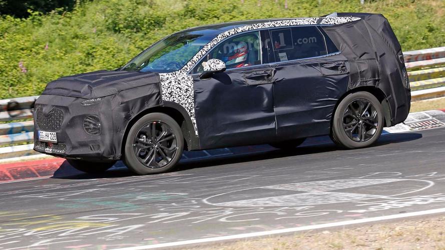 Next-Generation Hyundai Santa Fe To Debut In February 2018