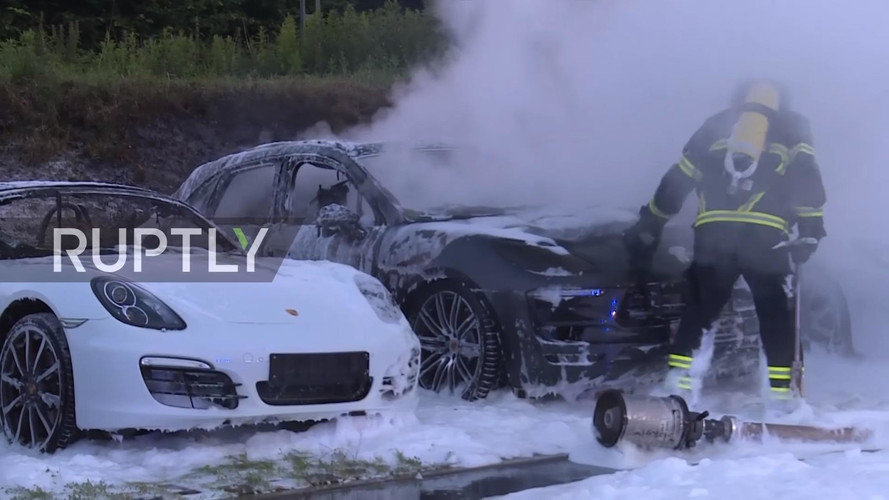 10 Porsches Burn To A Crisp After Possible Arson