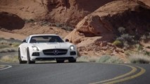 VÍDEO: Mercedes SLS AMG Black Series em movimento