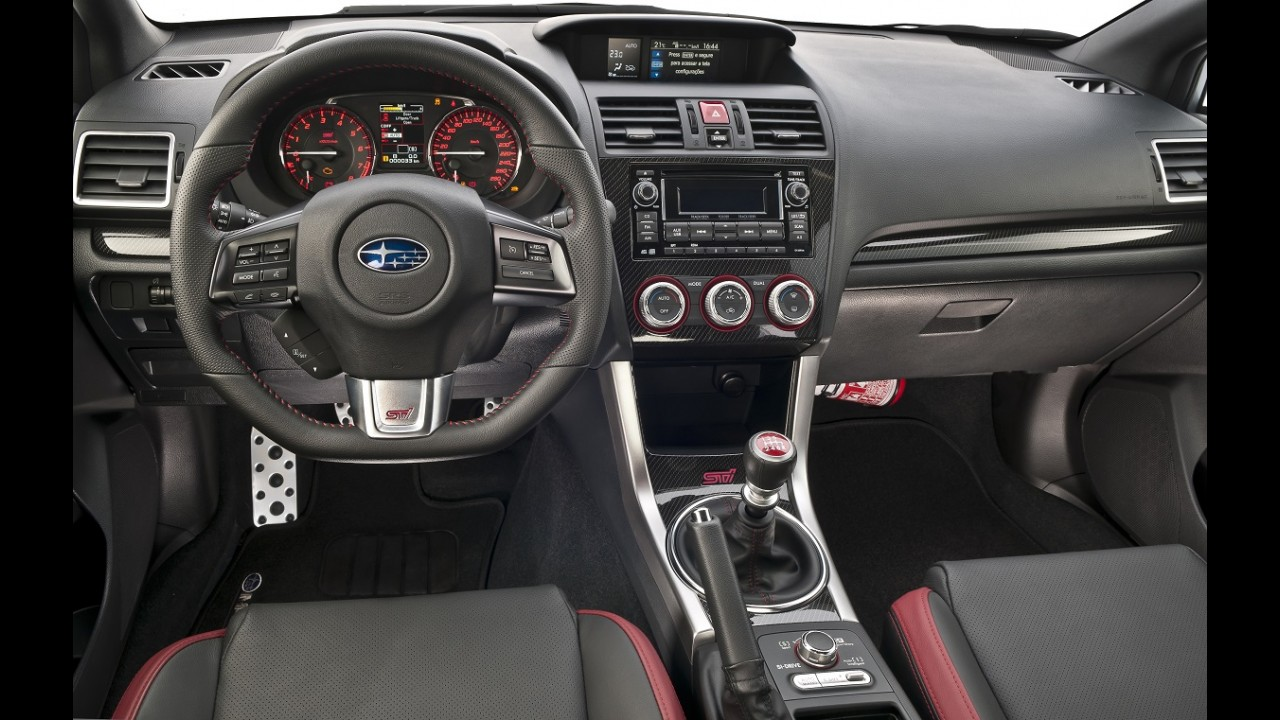 "Volta rápida: Subaru WRX STI mantém alma de ""preparado""; WRX decepciona"