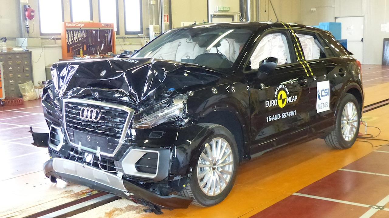 Audi Q2 kaza testinden 5 yıldız aldı