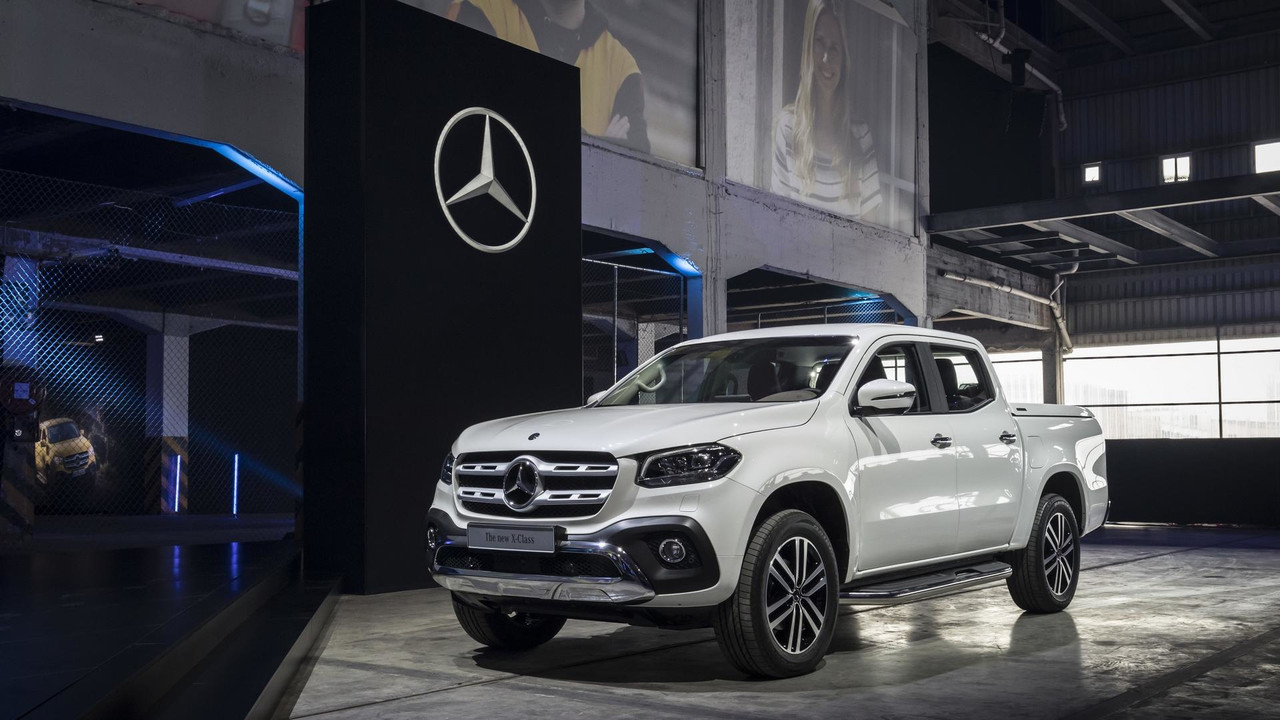 2018 mercedes x class pickup debuts with 190hp off road chops. Black Bedroom Furniture Sets. Home Design Ideas