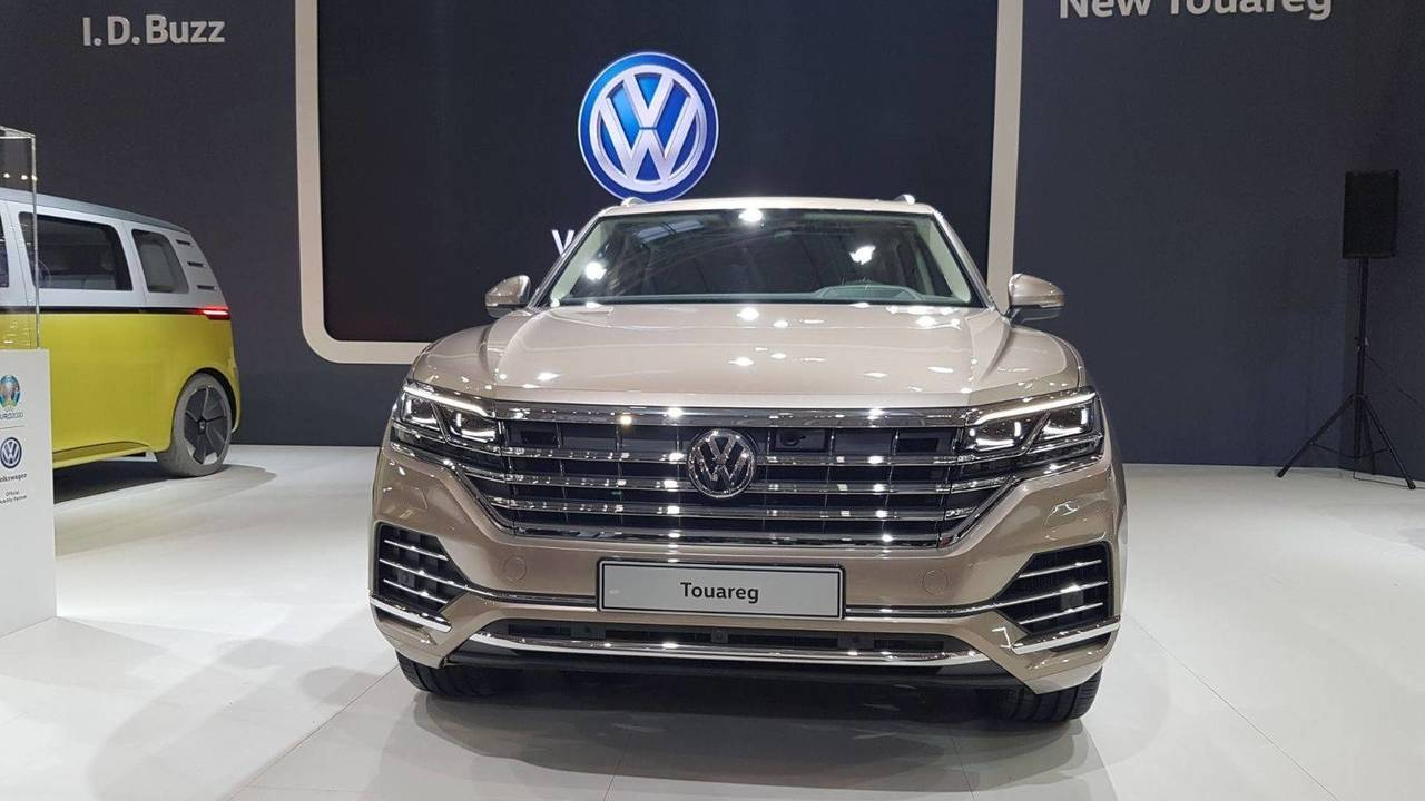 2019 vw touareg see the changes side by side