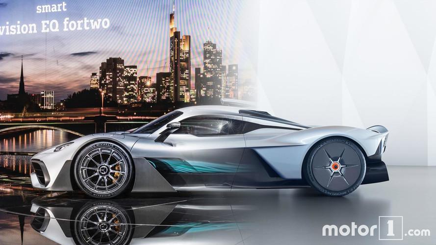 HyperFight: Mercedes-AMG Project One vs. Aston Martin Valkyrie