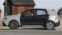 Suzuki SX4 S-Cross hides facelift underneath BMW-like camo [spy photos]