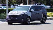 2018 Kia Sedona Spy Photos