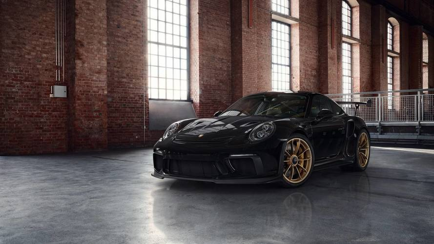 Porsche 911 GT3 RS Looks The Part With Factory Gold-Painted Wheels