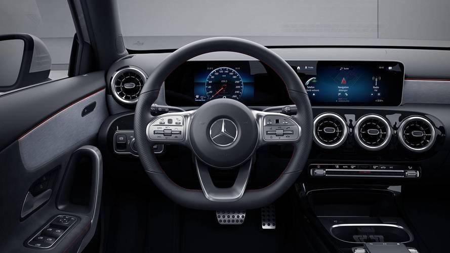 Mercedes, 2018 C-Serisinde neden MBUX sistemi olmadığını açıkladı
