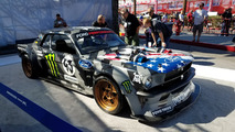 SEMA 2016 - Outside - Silver Lot - Ford Out Front