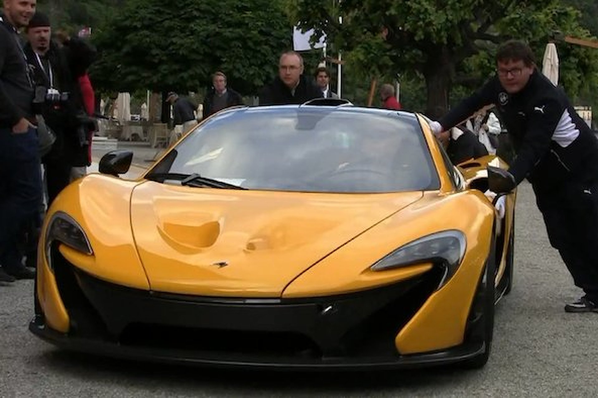 McLaren P1 Breaks Down at Concorso d'Eleganza, Embarrassment Ensues [video]