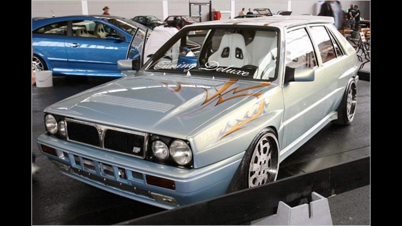 Das Babyblau-Metallic des Lancia Delta ist sicherlich nicht die Original-Lackierung