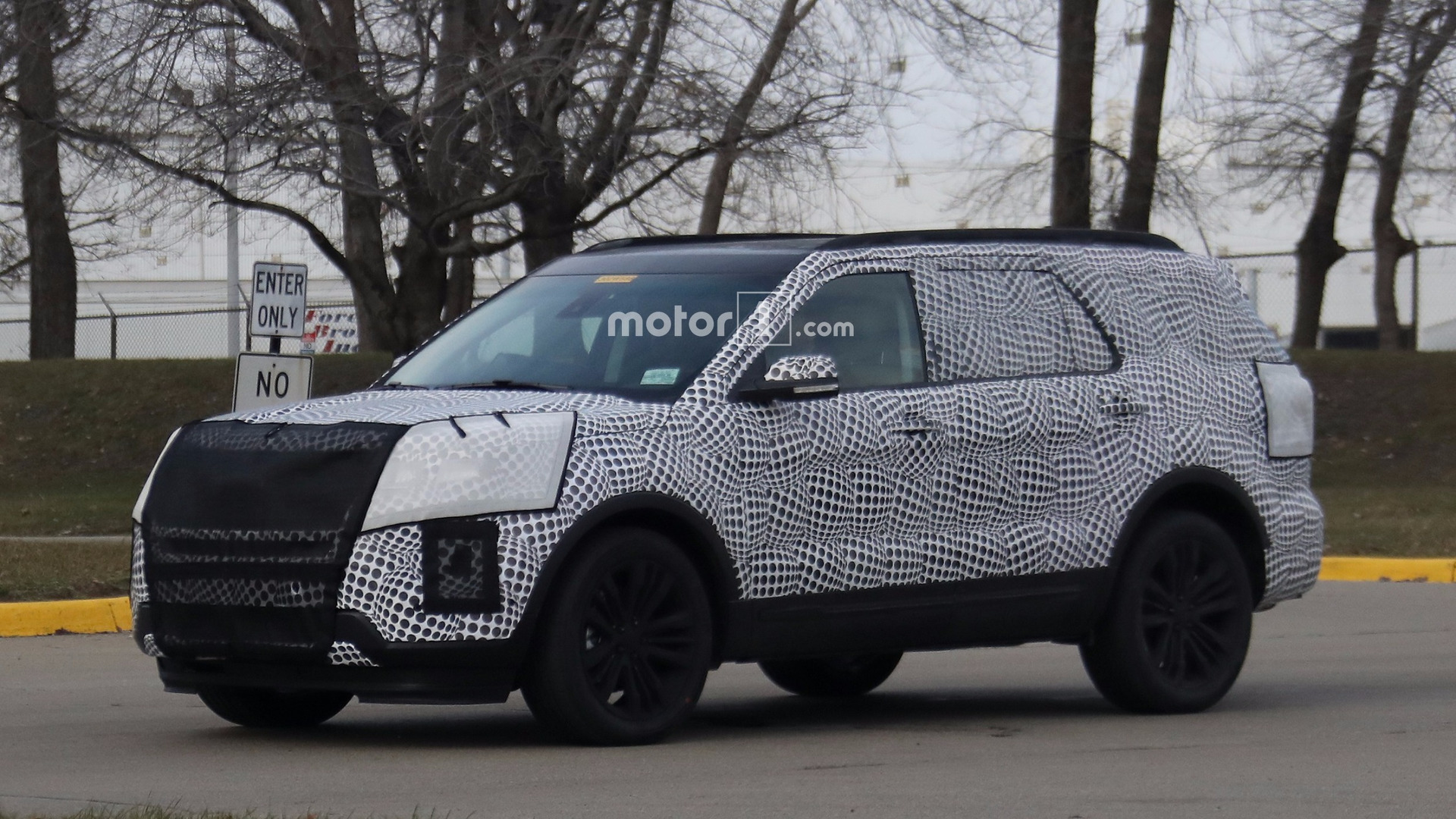 2019 Ford Explorer Caught Hiding Evolutionary Design