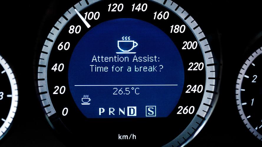 5 saatten az uyku ile yola çıkmak alkollü araç kullanmak kadar tehlikeli