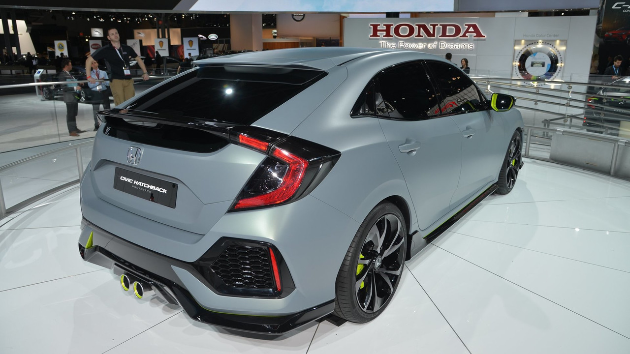 Honda Civic Hatchback prototype at New York Motor Show 2016