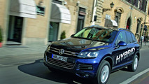 2011 Volkswagen Touareg Exclusive Options Now Available in Germany