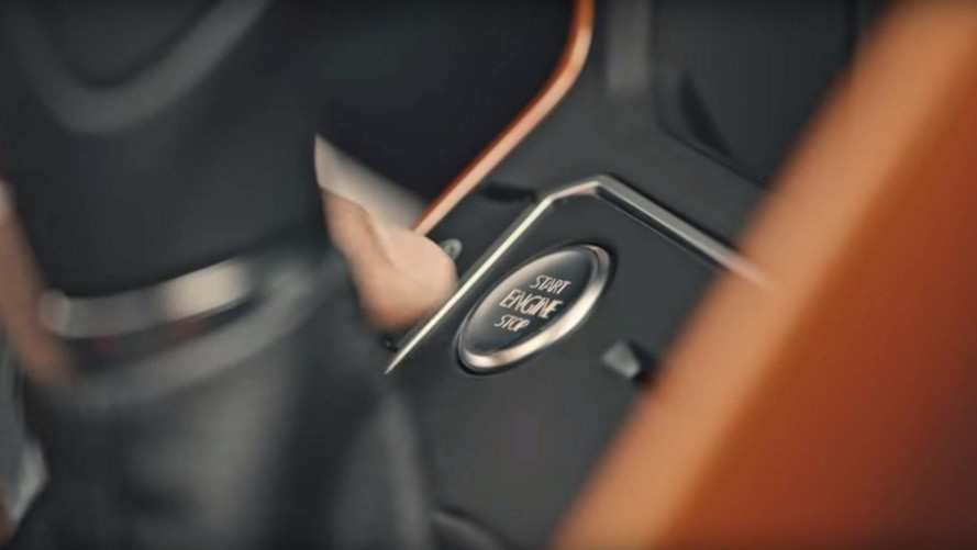 Novo VW Polo terá teto solar panorâmico e partida sem chave