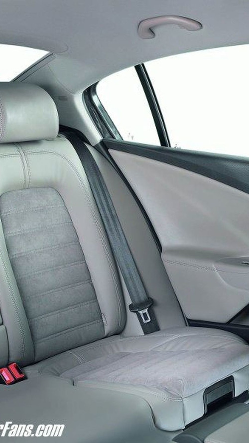 Integrated child seats in the new Passat