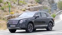 Bentley Bentayga Plug-In Hybrid spy photos