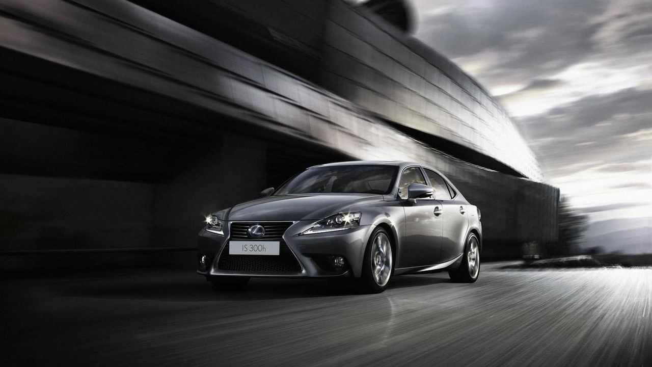 2014 Lexus IS 300h 17.1.2013