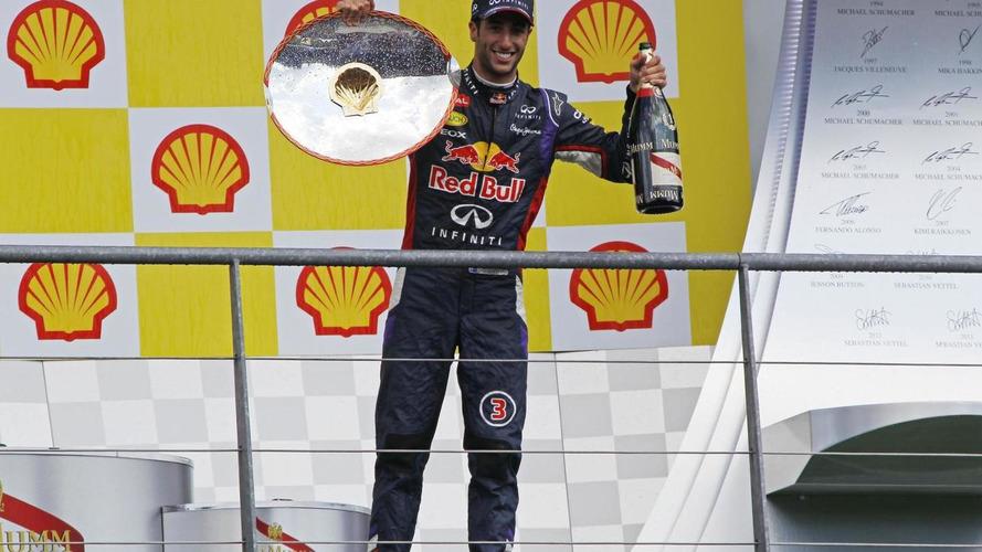 Ricciardo declares title hunt now on