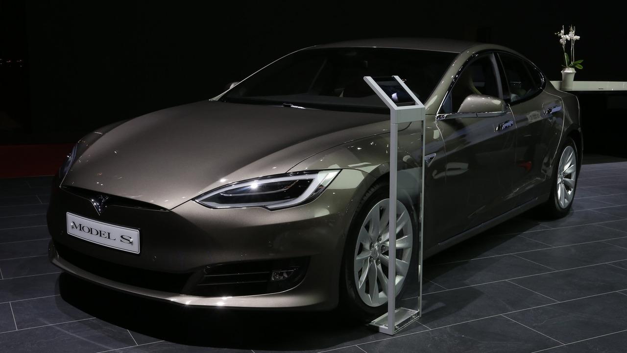 Tesla Model S 2016 Mondial de l'Automobile
