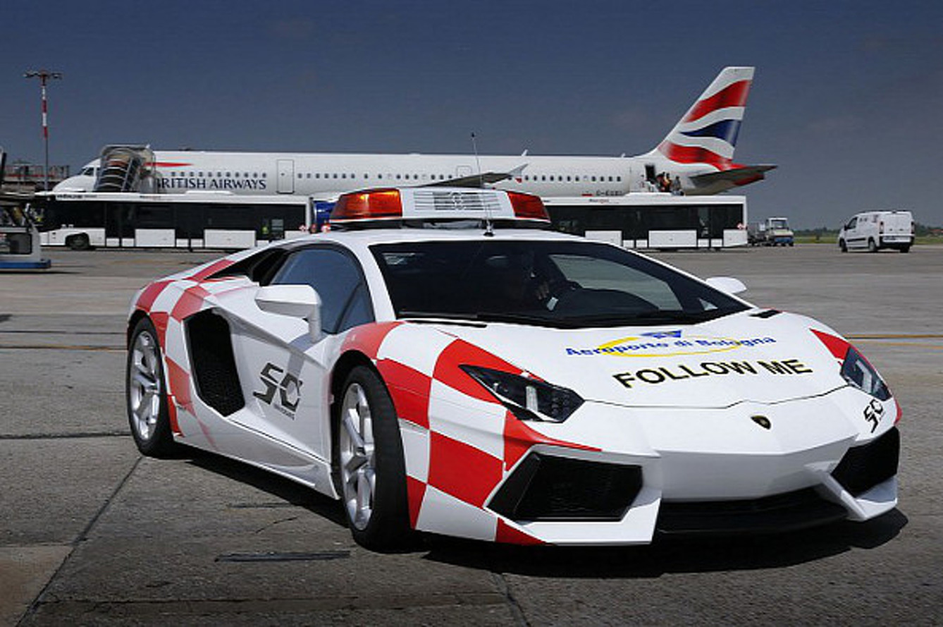 Lamborghini Aventador Taxi Vehicle for Bologna Airport