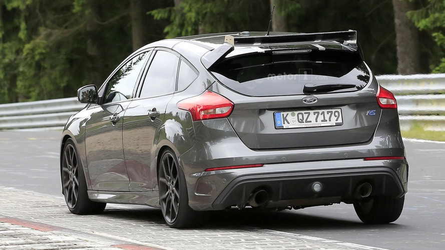 Ford Focus RS500 spy photos from the Nurburgring