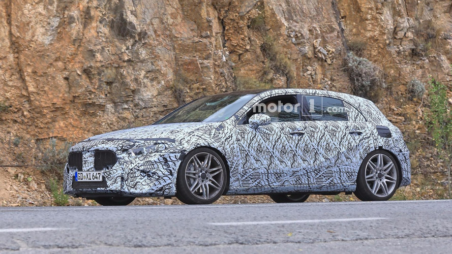 2019 Mercedes-AMG A45 alçak süspansiyonuyla görüntülendi