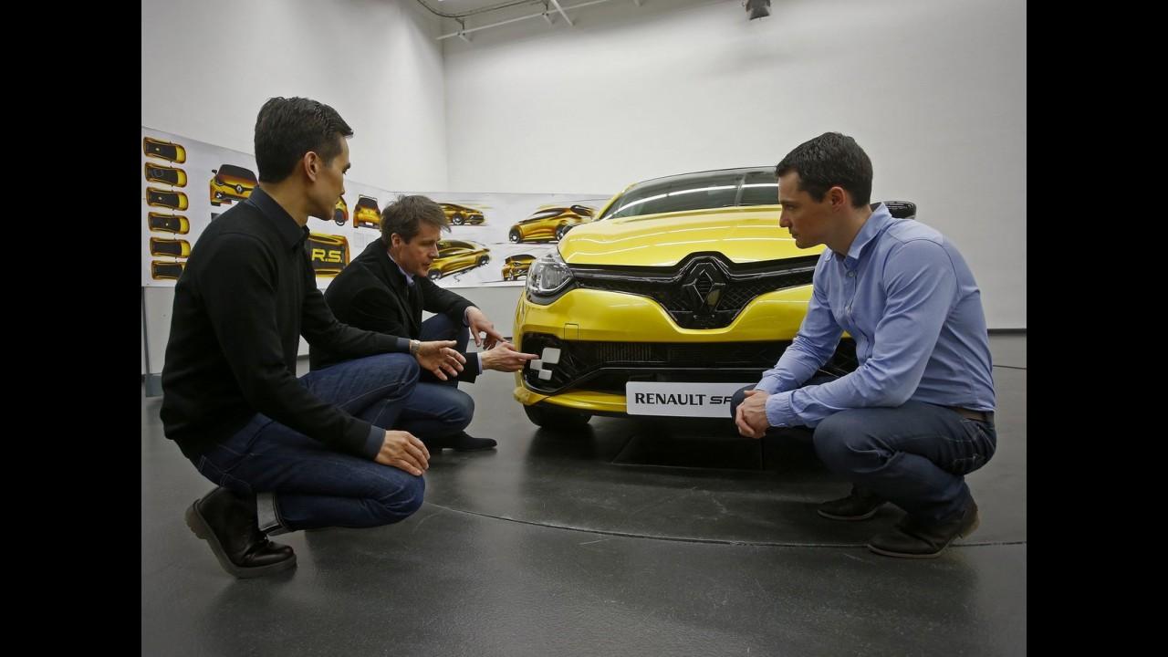 """Este é o """"hot hatch"""" Renault Clio RS 16 com 275 cv de potência - fotos"""