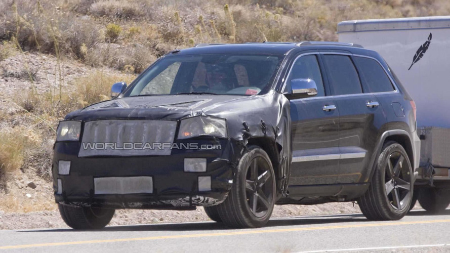 Jeep Grand Cherokee SRT8 spied