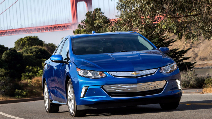 GM Reportedly Considers Replacing Chevy Volt With PHEV Crossover