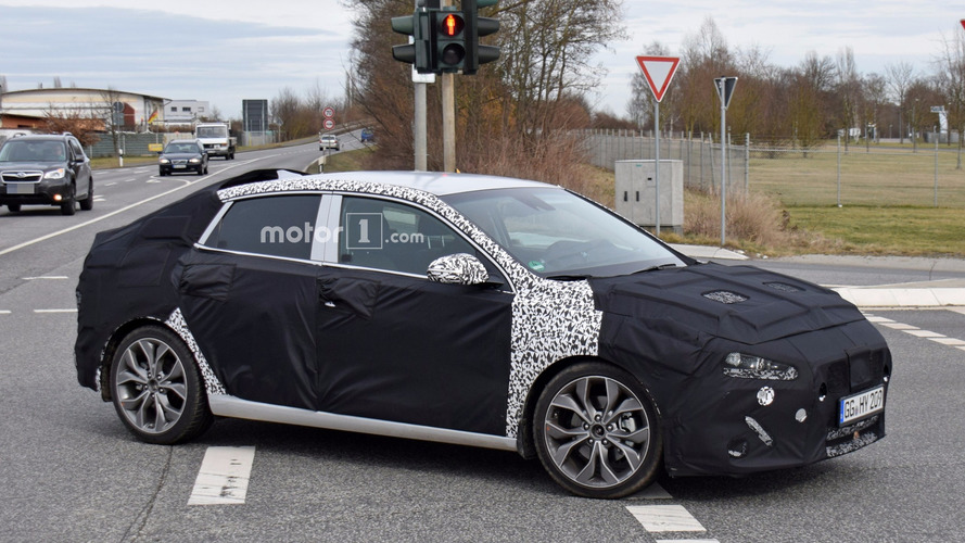 2018 Hyundai i30 Fastback spied for the first time