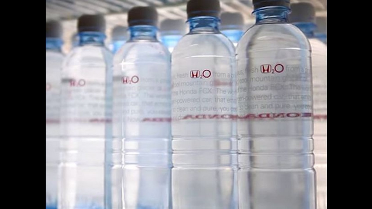 Honda lança água potável produzida com resíduos de combustível