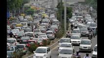 Índia suspende venda de carros a diesel para combater nuvem de poluição
