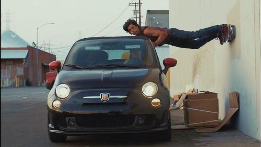 Abarth 500C scatenata con gli stuntman del Parkour [VIDEO]