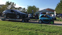 Renault Twizy tows Tesla Model X