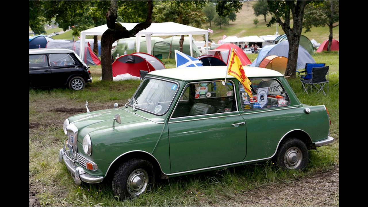 Ebenso wie der Wolseley Hornet ist auch der Riley Elf eine Stufenheck-Limousine auf Basis des Mini und mittlerweile ein gesuchtes Sammlerfahrzeug.
