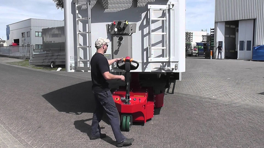 Trailer Mover XXL tek bir insanın 20 tonluk römorku kaldırmasını sağlıyor