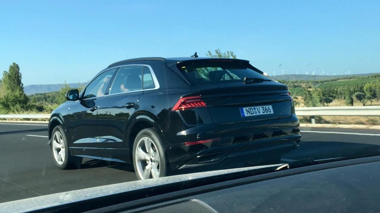 Audi Q8 casus foto